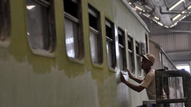 Perawatan & Perbaikan Kereta di Balai Yasa, Jakarta