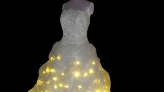 Pakaian pengantin berkilau
