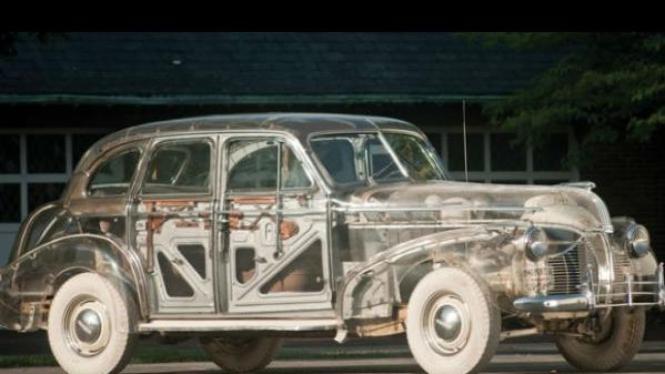 Pontiac Deluxe 6 transparan