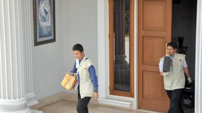 KPK geledah rumah nazarudin