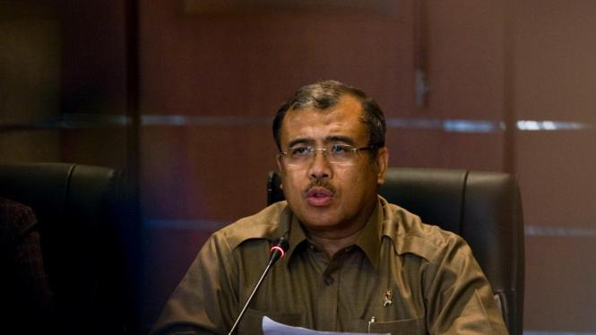 Komisi Pemberantasan Korupsi mengungkapkan telah mencokok Hakim Konstitusi Patrialis Akbar atas dugaan suap.