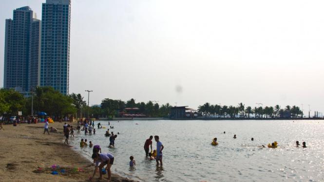 Pantai Ancol Sepi Pengunjung