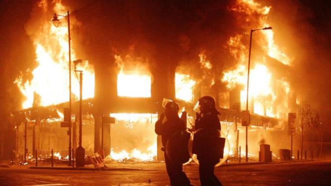 Kerusuhan di Tottenham , London , Inggris