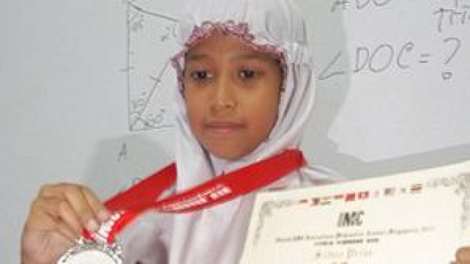 Dhia Fairus Shabrina, siswi kelas VI SD Muhammadiyah 4 Pucang Surabaya