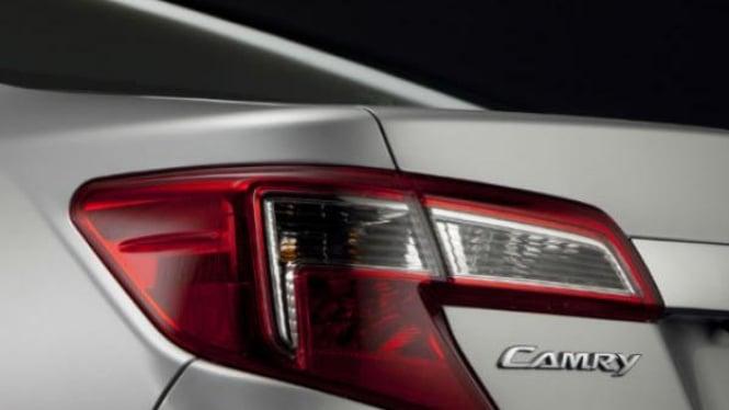 Bocoran tampilan belakang Toyota Camry 2012