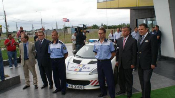 Mobil patroli Rumania, Lotus Evora S