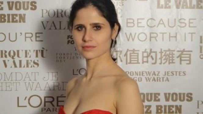 Adriana Ferreyr, 28, mantan kekasih George Soros.