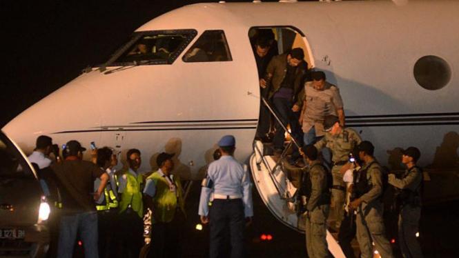 M Nazaruddin tiba di Halim Perdanakusuma
