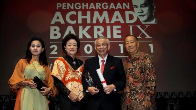 Satyanegara di Penghargaan Achmad Bakrie IX 2011