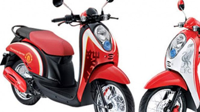 Scoopy Limited Edition Man United dan Liverpool