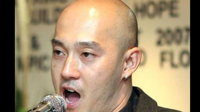 Ouyang Wen Feng, pendeta gay di Malaysia