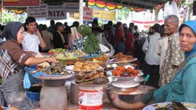 pasar pabukoan ramadan di padang