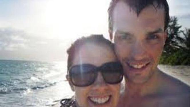 Ian dan Gemma Redmond saat berbulan madu di Seychelles