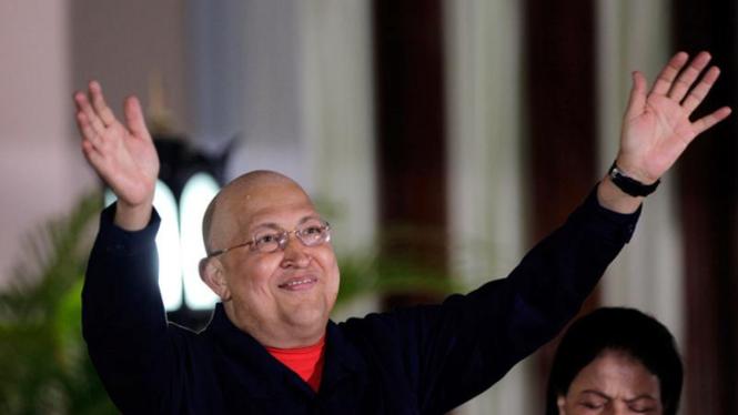 Presiden Venezuela  Hugo Chavez Terkena Kanker