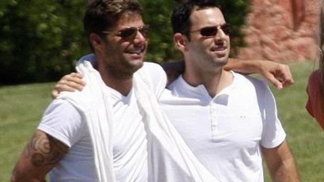 Ricky Martin dan Carlos Gonzalez