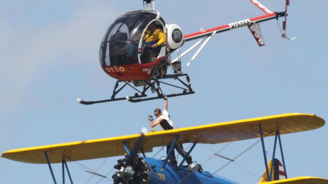 Kecelakaan Pesawat Wing Walker Todd Green