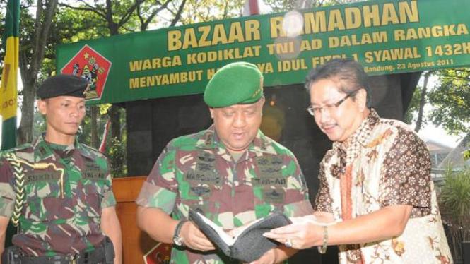 Wakaf Al-Quran di Kodiklat TNI AD