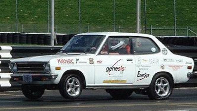 Mobil Listrik (Datsun 1200)