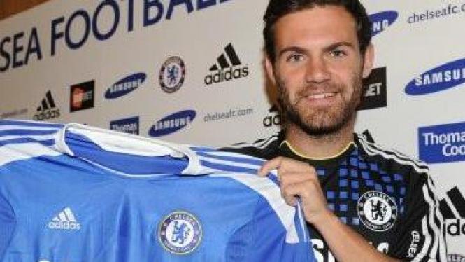 Juan Mata diperkenalkan sebagai pemain Chelsea
