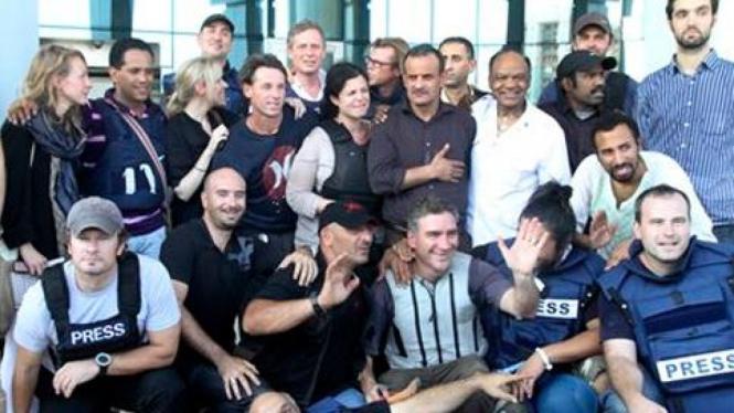 Para jurnalis yang ditahan di hotel Rixos, Libya.