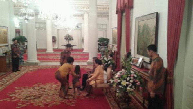 Sungkeman Keluarga Presiden SBY di Hari Raya Idul Fitri 1432 H