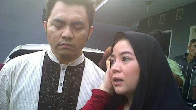 Annisa Bahar dan suami jenguk Saipul Jamil di Cimahi