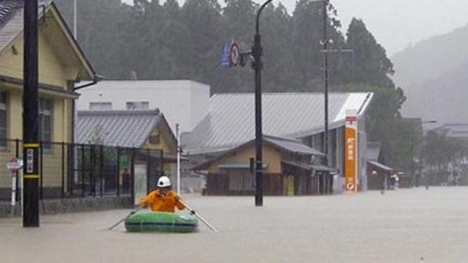 Prefektur Wakayama di Jepang dilanda topan Talas