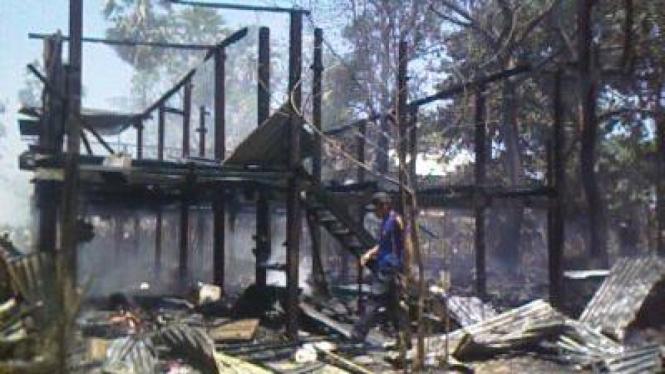 Kebakaran Rumah Panggung di Dusun Balanakang