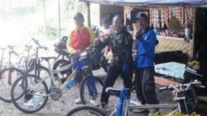 Komunitas Sepeda Atrok