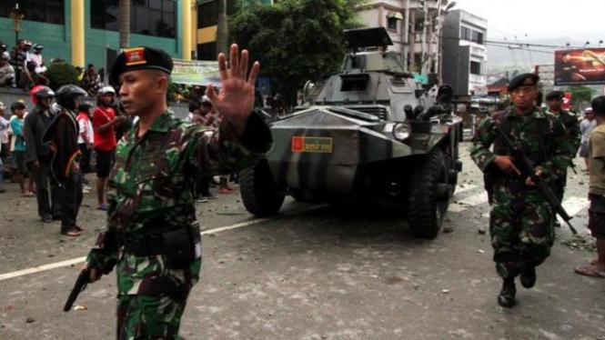 Kodam XVI Pattimura mengerahkan sejumlah tank di Ambon