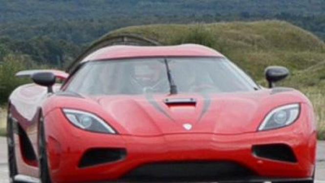 Mobil Tercepat di Dunia (Koenigsegg Agera R)