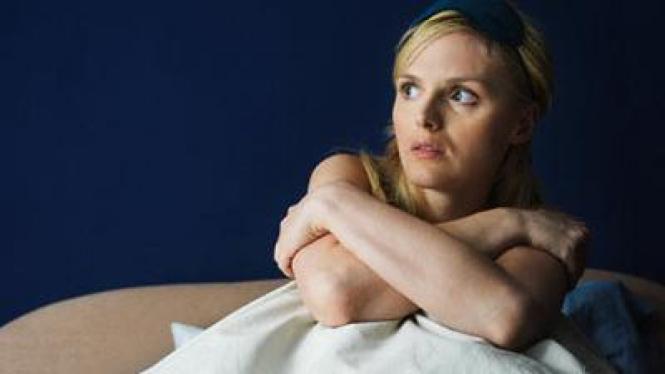 wanita bermimpi buruk