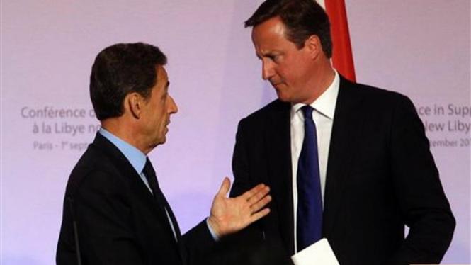 PM David Cameron dan Presiden Nicolas Sarkozy