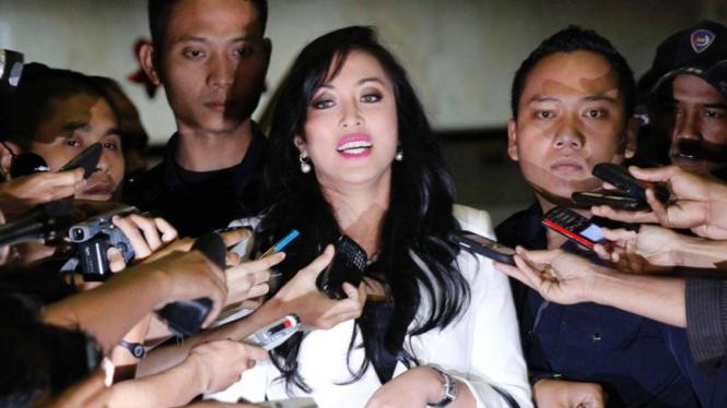 Angelina Sondakh Setelah Selesai Diperiksa KPK