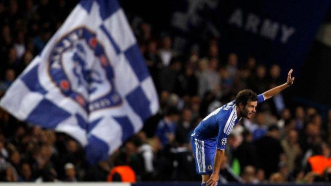 Juan Mata (Chelsea) usai mencetak gol lawan Bayer Leverkusen