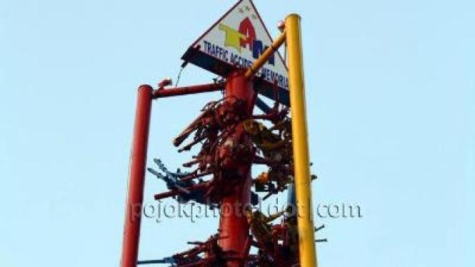 Traffic Accident Memorial di Riau