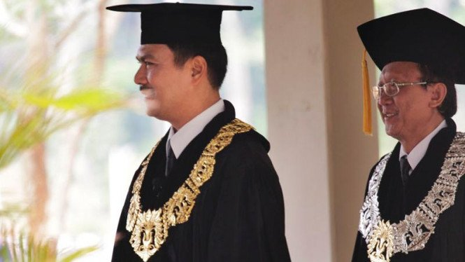 Rektor UI, Prof. Dr. der Soz. Gumilar R. Somantri