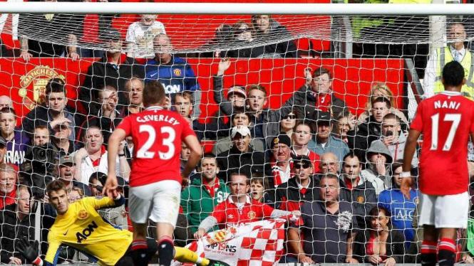 David de Gea (Kuning) menyelamatkan penalti