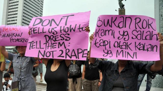Demo perempuan menolak pemerkosaan