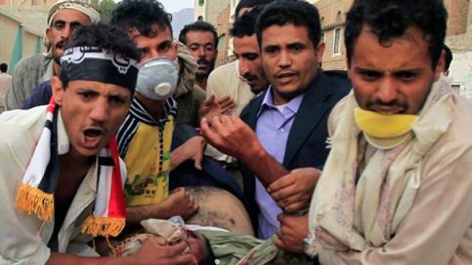 Tentara tembaki demonstran di Yaman, Minggu 18 September 2011.