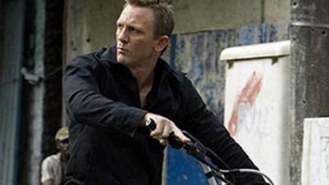 Cuplikan Film James Bond di India