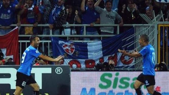 Pemain Novara di pertandingan melawan Inter Milan