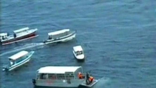 perahu tenggelam di bali