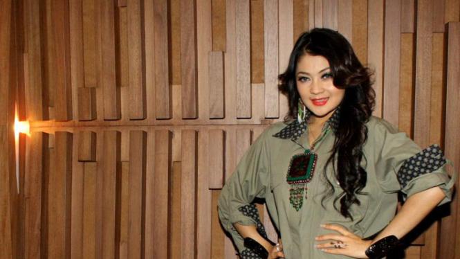 Indah Dewi Pertiwi di Jumpa Pers Serial Laskar Pelangi