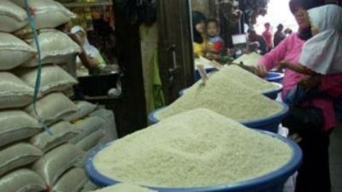 Penduduk Indonesia masih ketergantungan konsumsi beras