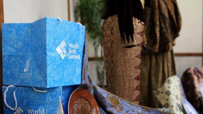 Press Conference World Batik Summit 2011