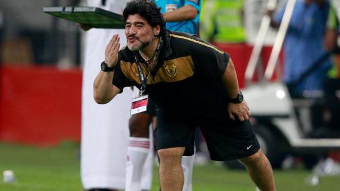 Diego Maradona melatih Al-Wasl