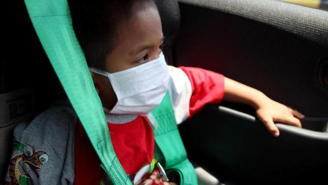 Pasien Kanker Anak Coba Mobil Balap di Sirkuit Sentul