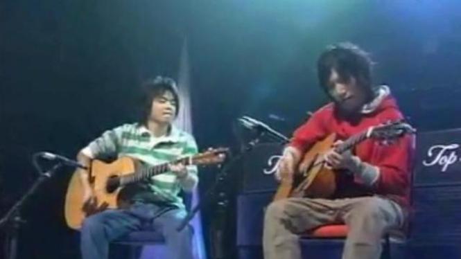 Penampilan duo gitar Depapepe