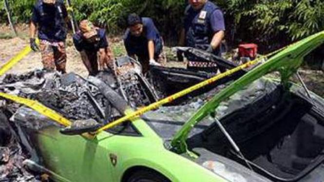 Lamborghini Gallardo terbakar di Malaysia